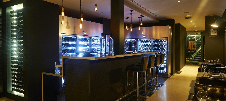 restaurant tendance sur la braise paris capitale. Black Bedroom Furniture Sets. Home Design Ideas