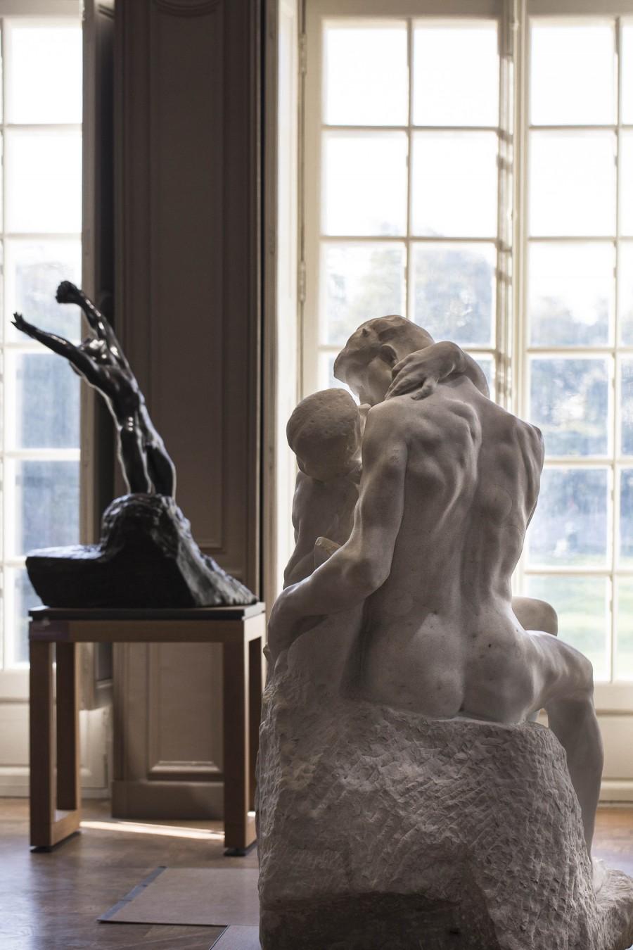 mise en place des oeuvres pour la museographie nouvelle de l'hotel Biron 2015