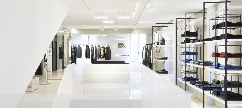 Dior Homme A capital address 09ef013c3290