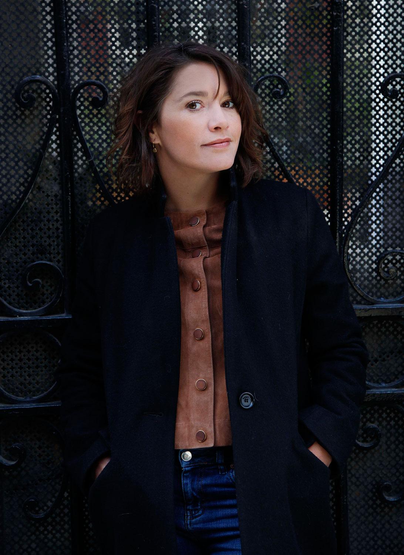 interview-emma-de-caunes-paris-capitale-2