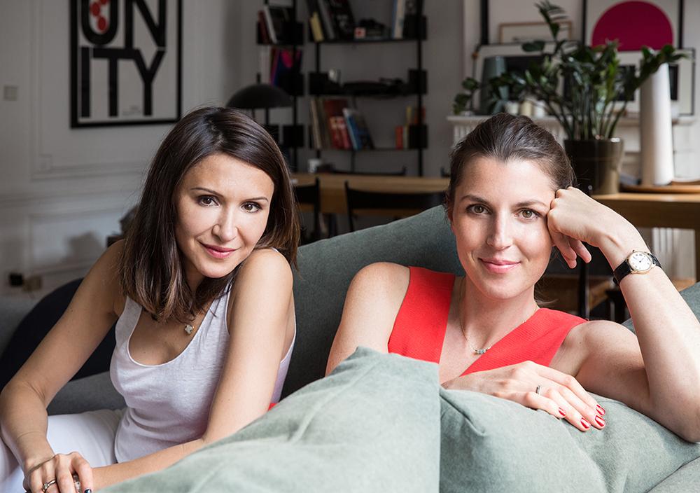 Simone-maquillage-coiffure-manucure-domicile-paris-application-magazine