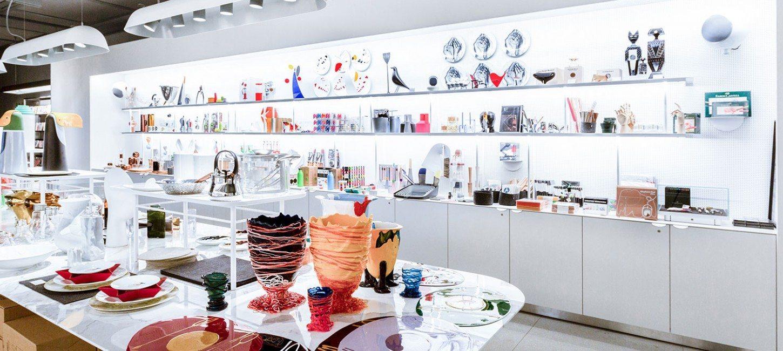 shopping boutique design du centre pompidou paris capitale. Black Bedroom Furniture Sets. Home Design Ideas
