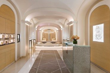 Mise en beauté pour le Dior Institut du Plaza Athénée