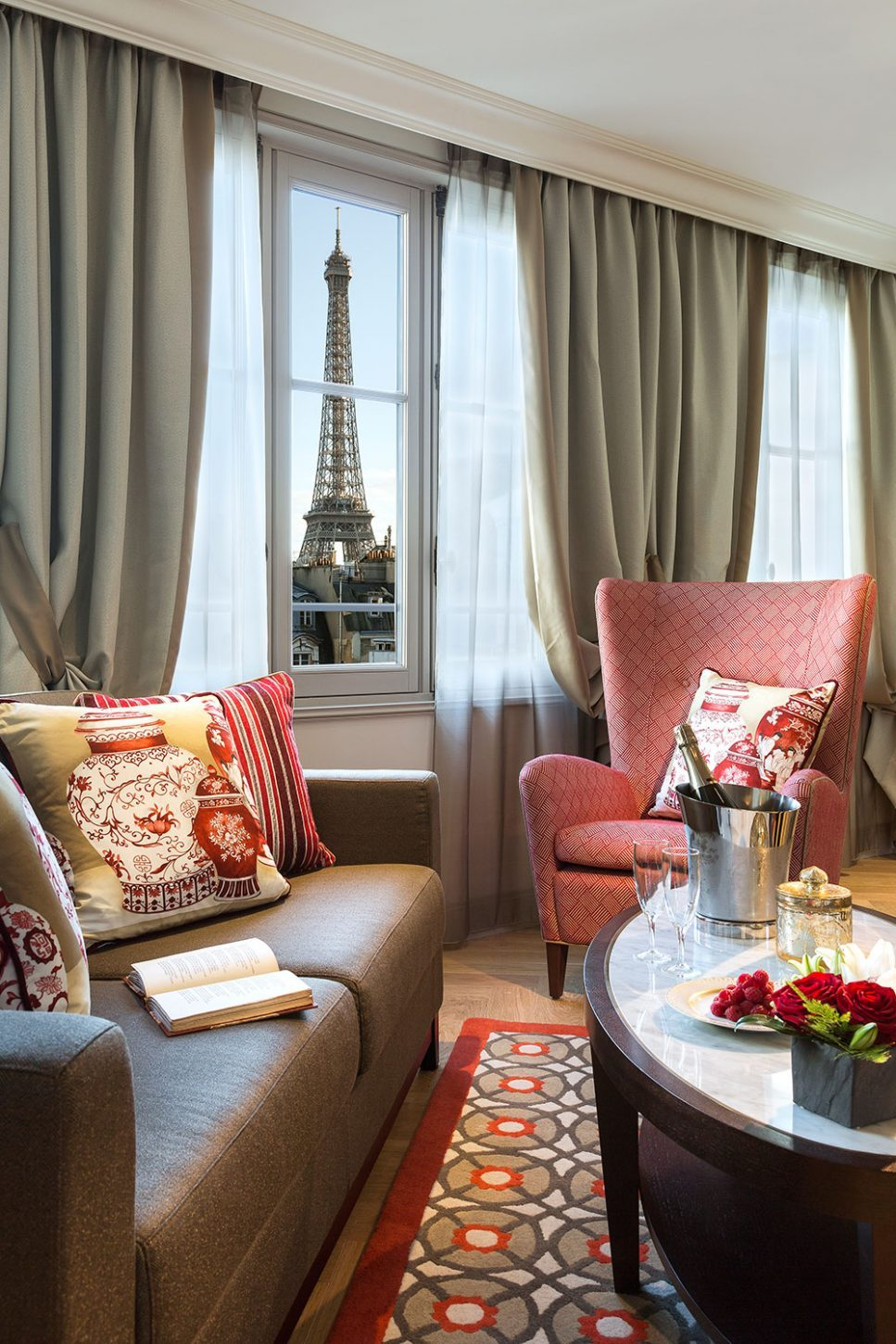 H tel 5 toiles la clef tour eiffel paris capitale for Appart hotel 5 etoiles