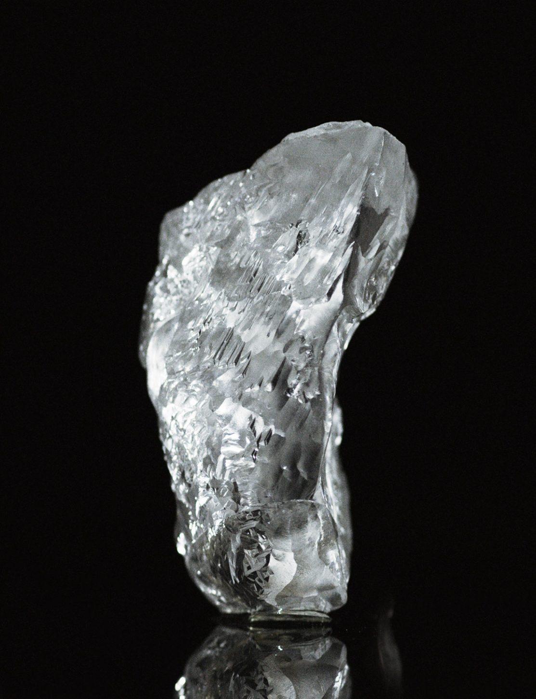 joaillerie-paris-de-grisogono-diamant-404-carats-800