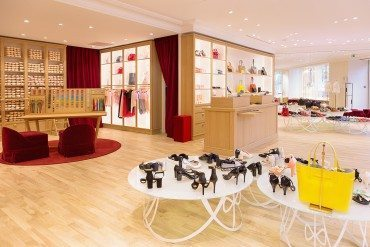 Repetto spins on the Champs-Elysées