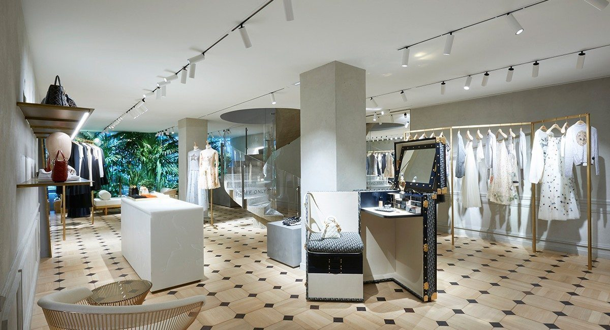 Pop Up Dior Avenue Montaigne Nouvelle Collection