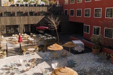 Le Mob Hotel déballe sa terrasse aux puces de Saint-Ouen