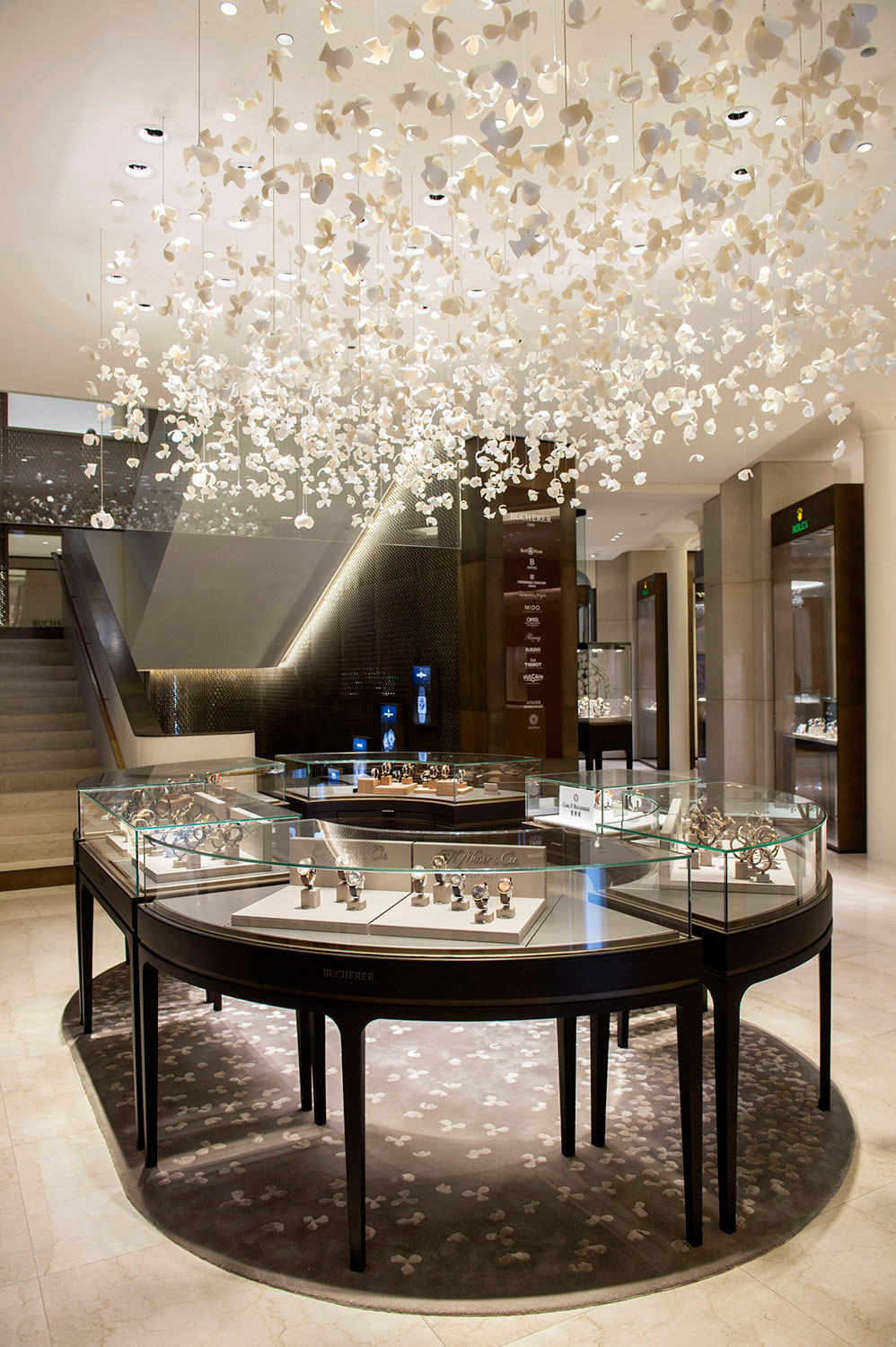 Bucherer-Paris-boutique-interieur
