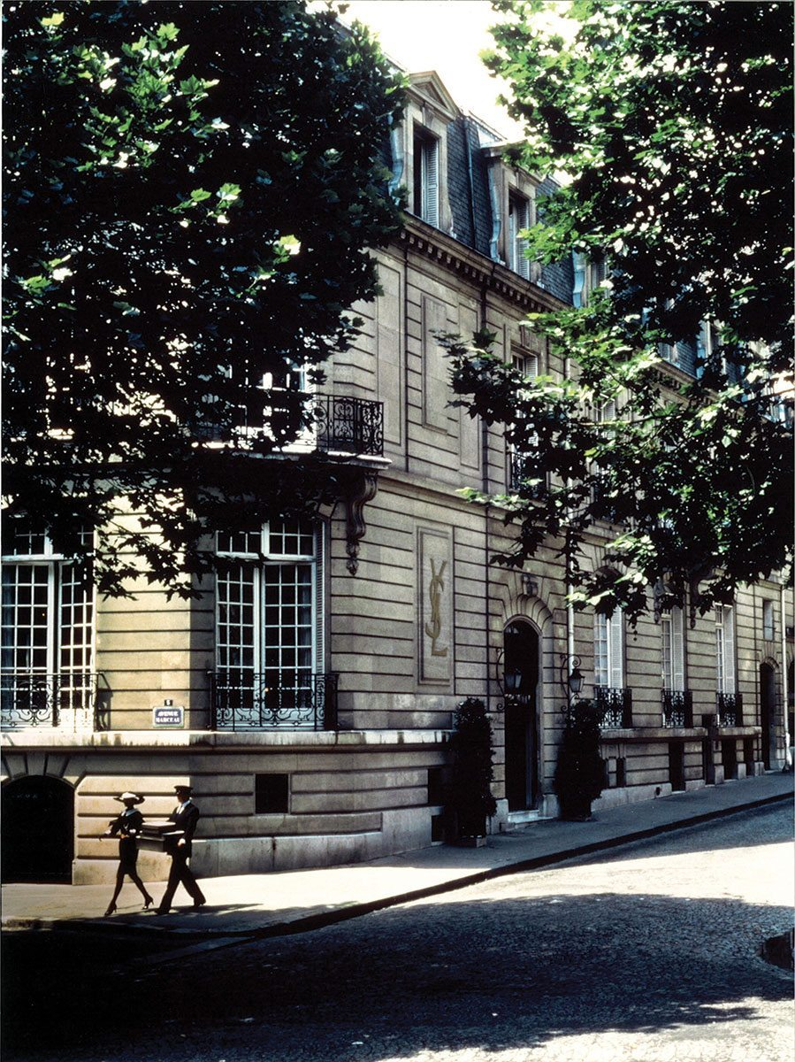 Faccade-5-avenue-Marceau-musee-yves-saint-laurent