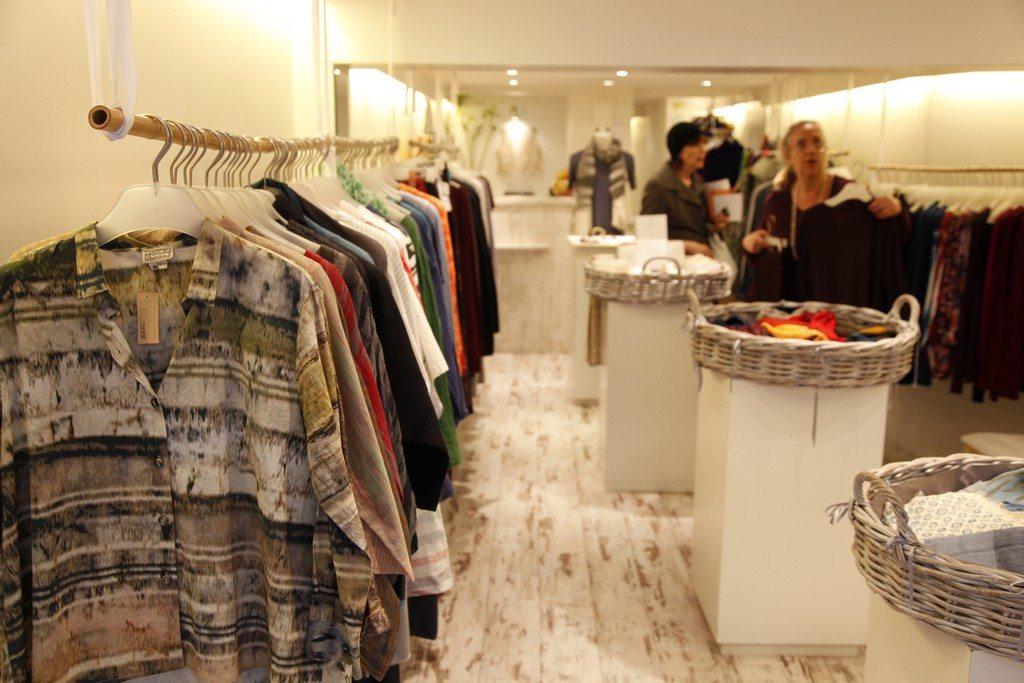 shopping la boutique extraordinaire paris capitale. Black Bedroom Furniture Sets. Home Design Ideas