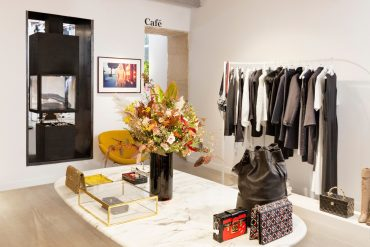 Vestiaire Collective from e-store to real store