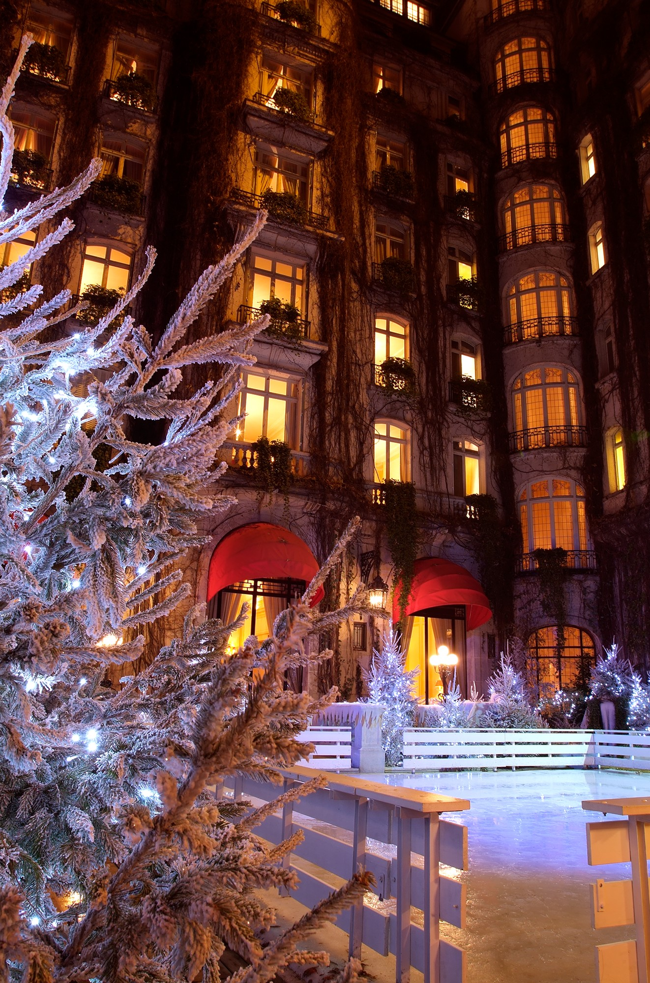 Paris christmas luxury hotels