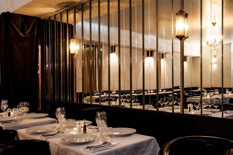 restaurant tendance mona lisa paris capitale. Black Bedroom Furniture Sets. Home Design Ideas