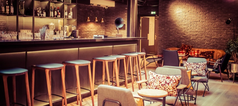h tel 4 toiles laz 39 h tel spa urbain paris capitale. Black Bedroom Furniture Sets. Home Design Ideas