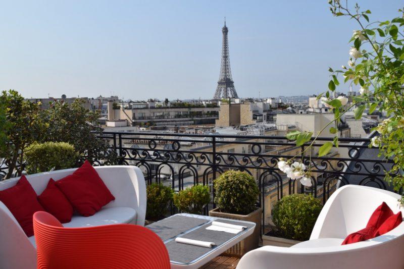 adresse estivale paris terrasse panoramique hotel raphael paris