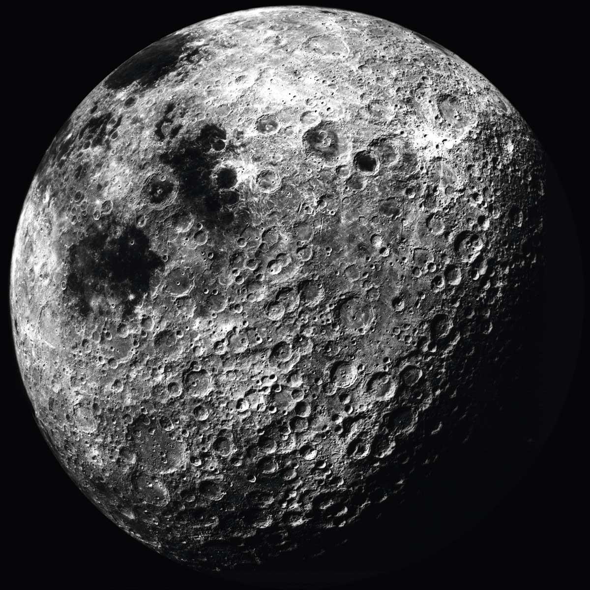 expos-lune-voyage-reel-imaginaires-grand-palais-omega-8e