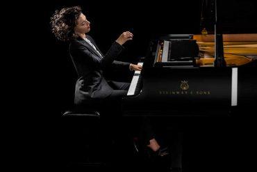 Khatia Buniatishvili Une virtuose du piano au look glamour