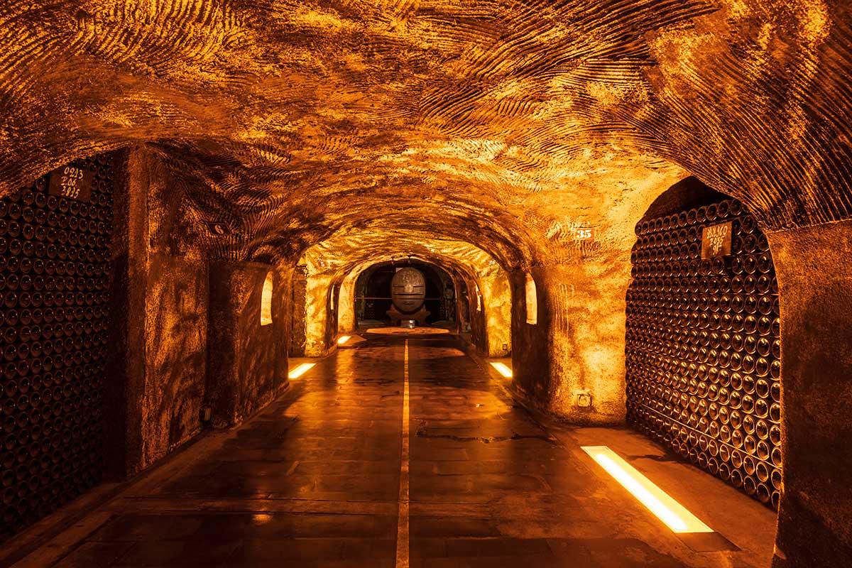 150-ans-moet-chandon-brut-imperial-cave-prise-de-mousse