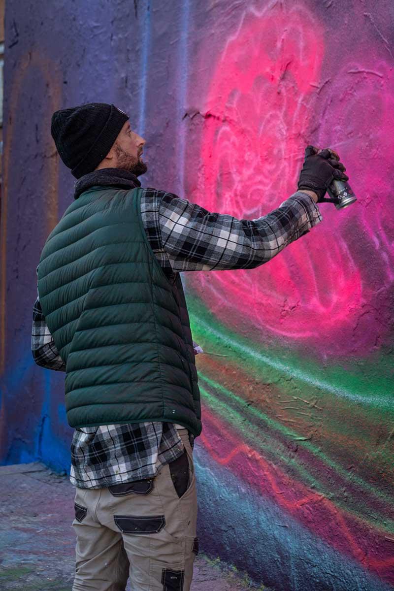 Portrait-artiste-neon-style-australien-Straker