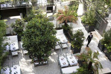 La terrasse de l'hôtel Les Jardins du Faubourg Un havre de paix en plein coeur de Paris