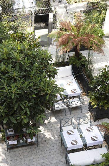La terrasse de l'hôtel Les Jardins du Faubourg