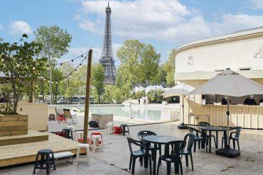 The Dumbo Park Buzz at the Trocadero